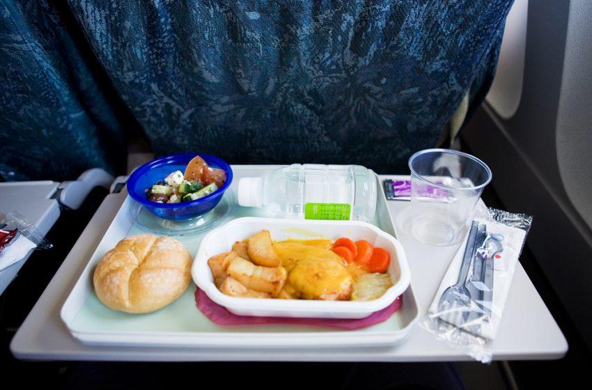 7 Tips Agar Makanan Terasa Lebih Enak Di Pesawat