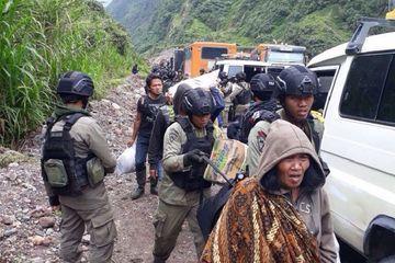 Polri Siapkan 13 Bus, Mengefakuasi Warga Pegunungan Mimika