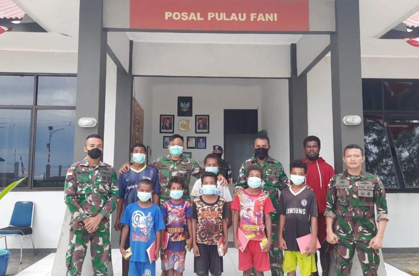 Minimnya Fasilitas Pendidikan, TNI AL Pulau Fani Mebuka Ruang Belajar Bagi Anak-Anak